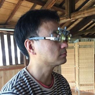 """灰谷孝さんの「発達する眼鏡」、ヤバいです。苦しんできたADHDの視野の狭さが、眼鏡を変えただけで改善しました\(驚)/左右の様子が、首を回さなくてもわかります!また、狭いところを通るのが怖くなくなりました。それに、足音がうるさく出ちゃうのが改善!自分で書いてて、まだ信じられません。さらにスゴいことに、この眼鏡をつけてると脳や反射などが発達して、眼鏡をとってもイケるようになるそうです。完成は約2週間後。生きるのが楽になる!(>_""""></p> <div class="""